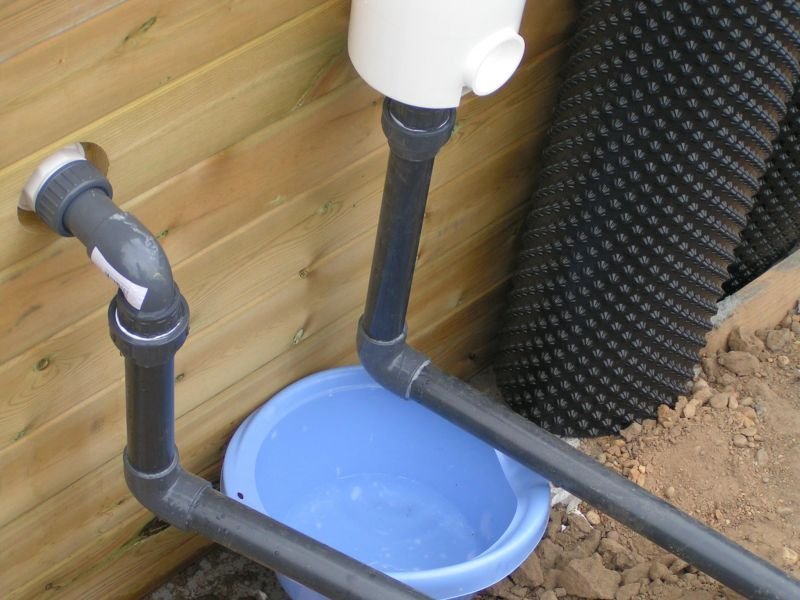 Pose des feutres et du liner installation piscine bois for Pose de liner de piscine