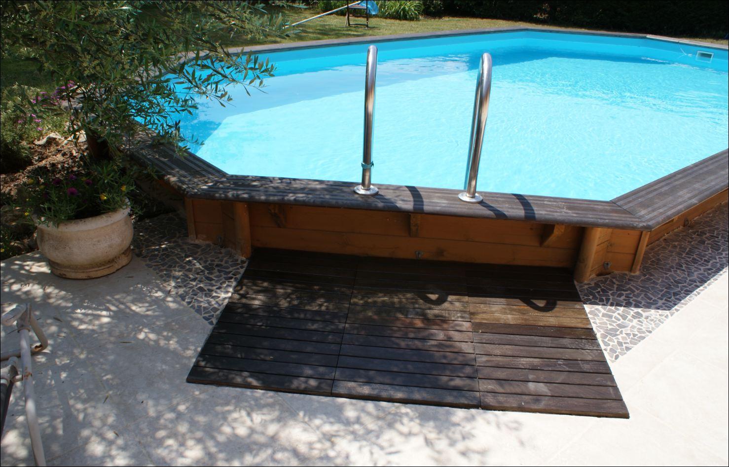 Montage installation de notre piscine bois moor a for Installation piscine bois